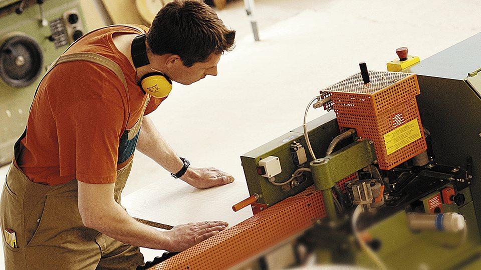 Versicherungsschutz für Produktionsbetriebe