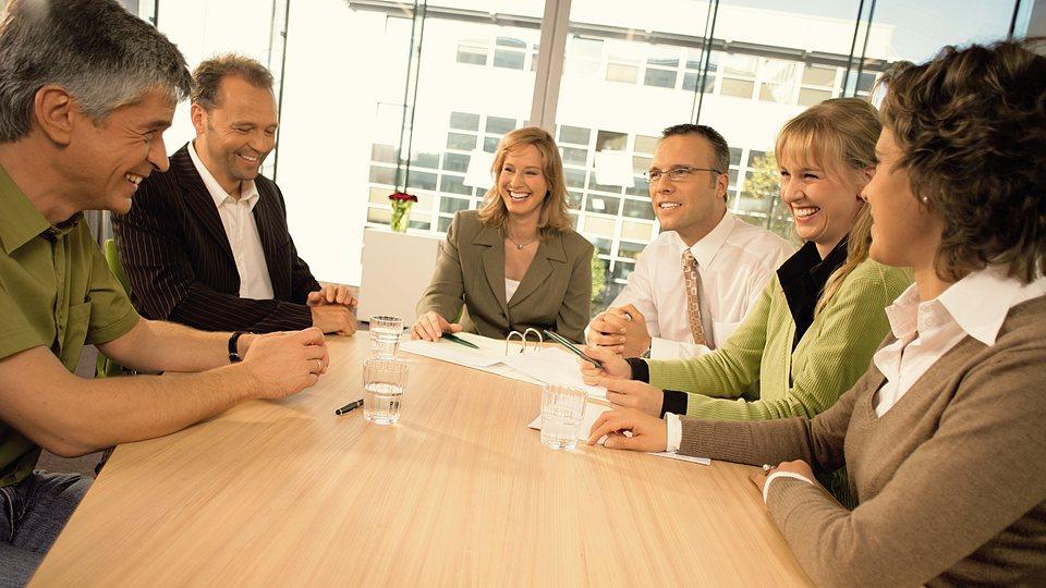 Vereinshaftpflicht: Der richtige Versicherungsschutz für Vereinsvorstände