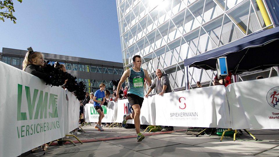 LVM Versicherung als Förderer des Sports: 4. LVM-Skyrun in Münster