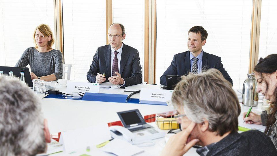 LVM-Presservice im Internet: Vorstandsvorsitzender Dr. Mathias Kleuker im Pressegespräch.